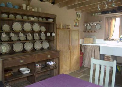 Traditional kitchen at Holly Cottage, Boggle Hole