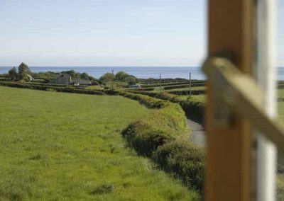 Holly Cottage, Boggle Hole, sea views